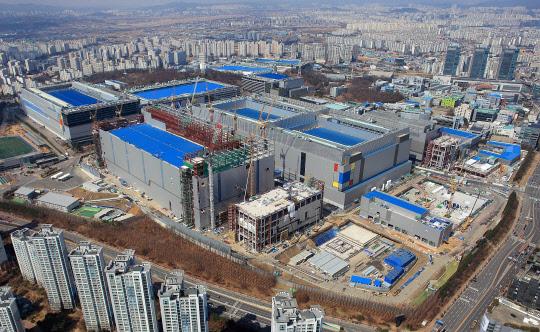 5나노 공정 개발한 삼성, 비메모리도 초격차 진격